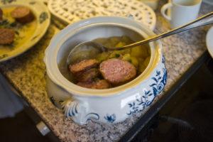 Kochen wie im Krieg - Bild: Herbert Schweizer