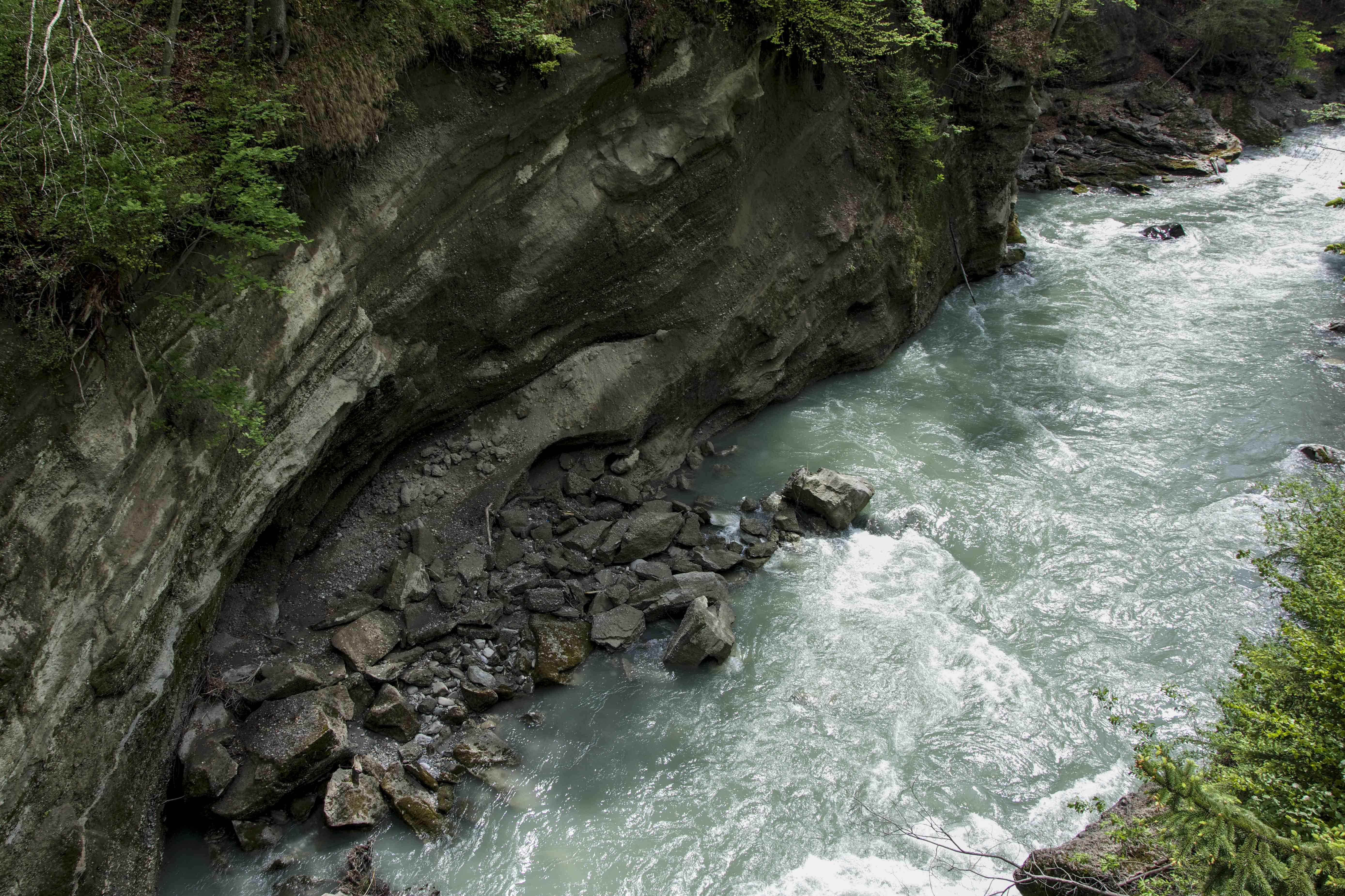 Wo früher Berg war, fliesst heute Wasser: Kanderdurchstich