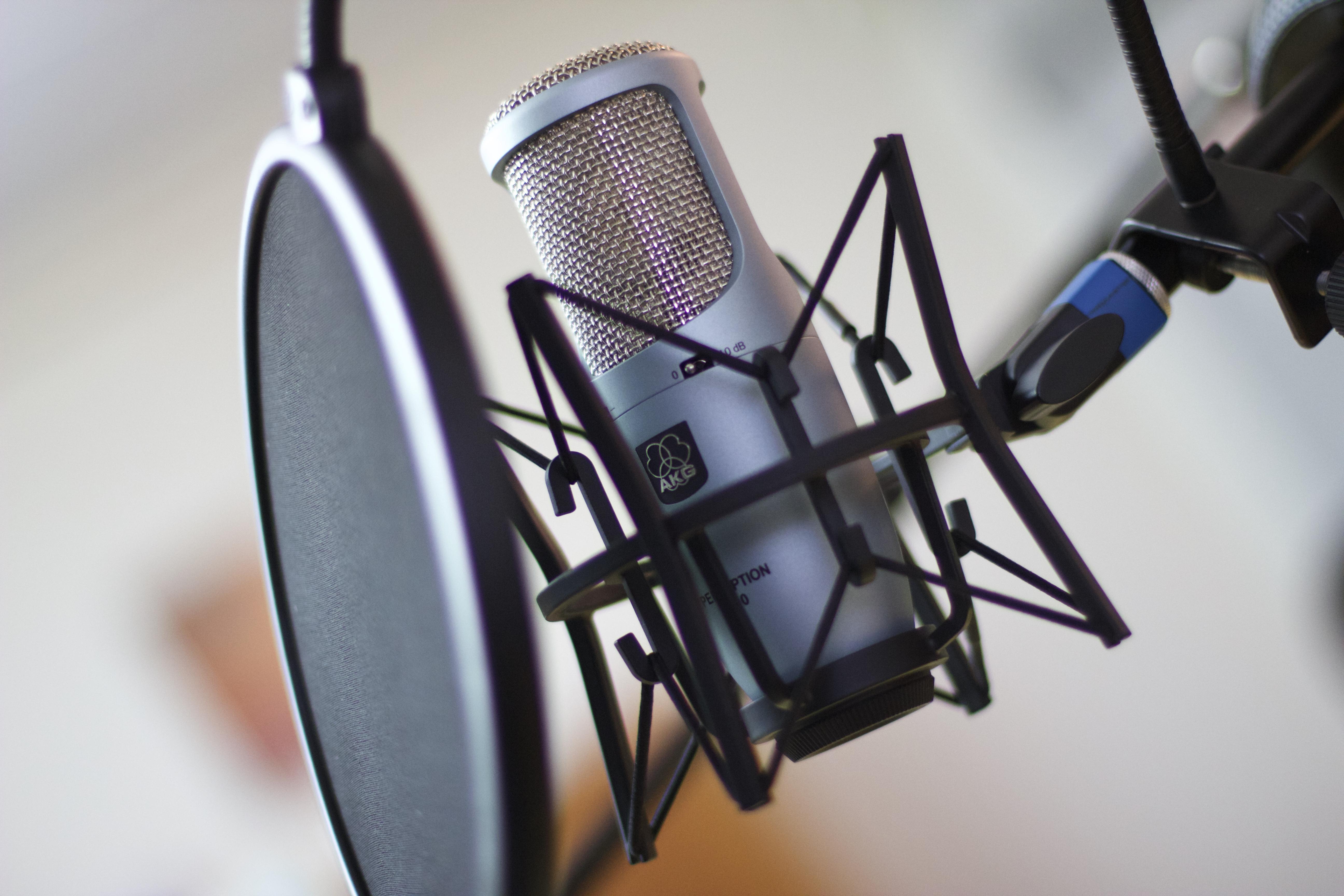 Generadio – das ist «und» zum Hören. Die zweite Sendung ist nun erschienen. – Bild: Elias Rüegsegger