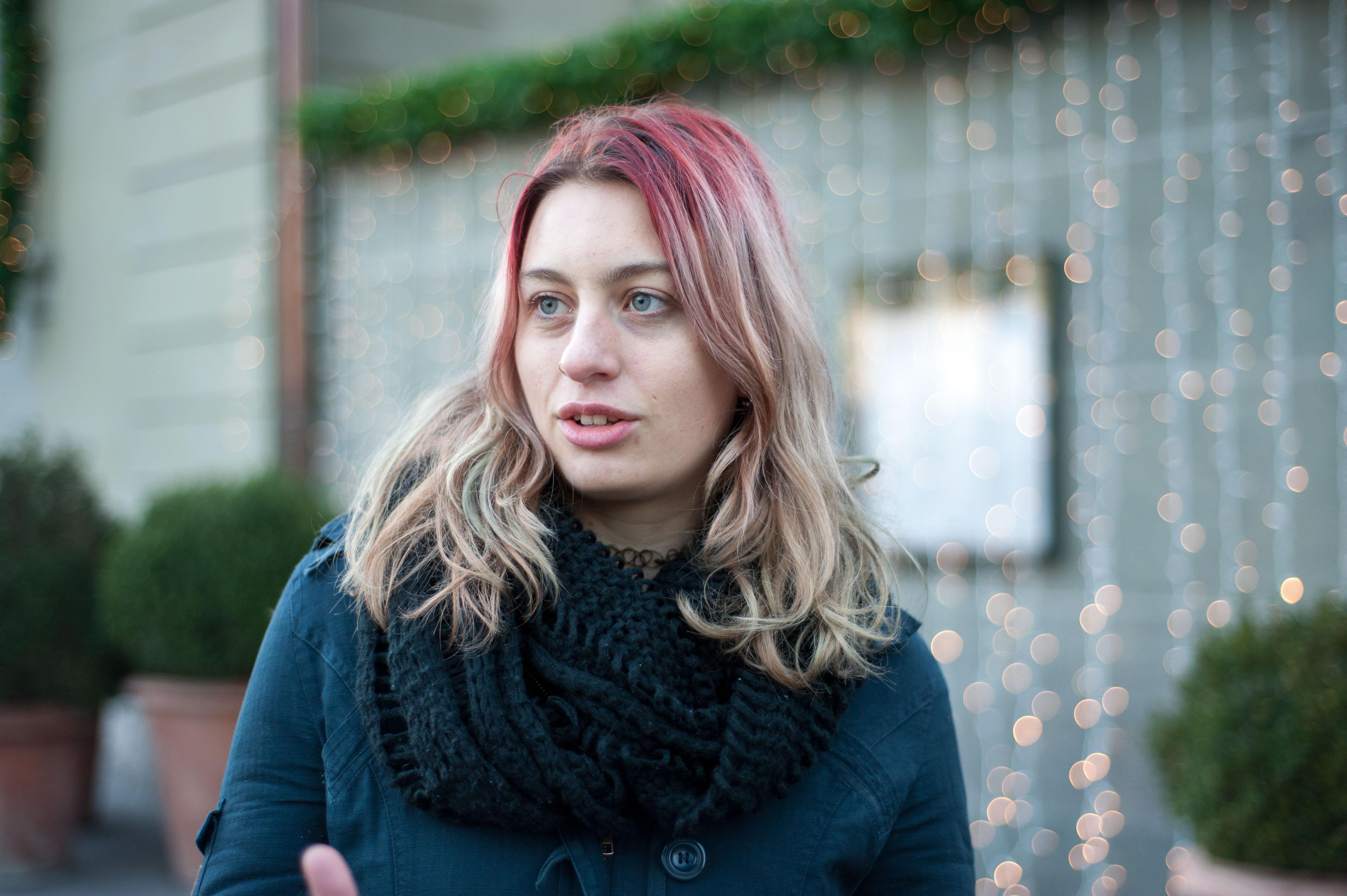 Xenia Dürig – eine junge Helferin. – Bild: Jana Daepp