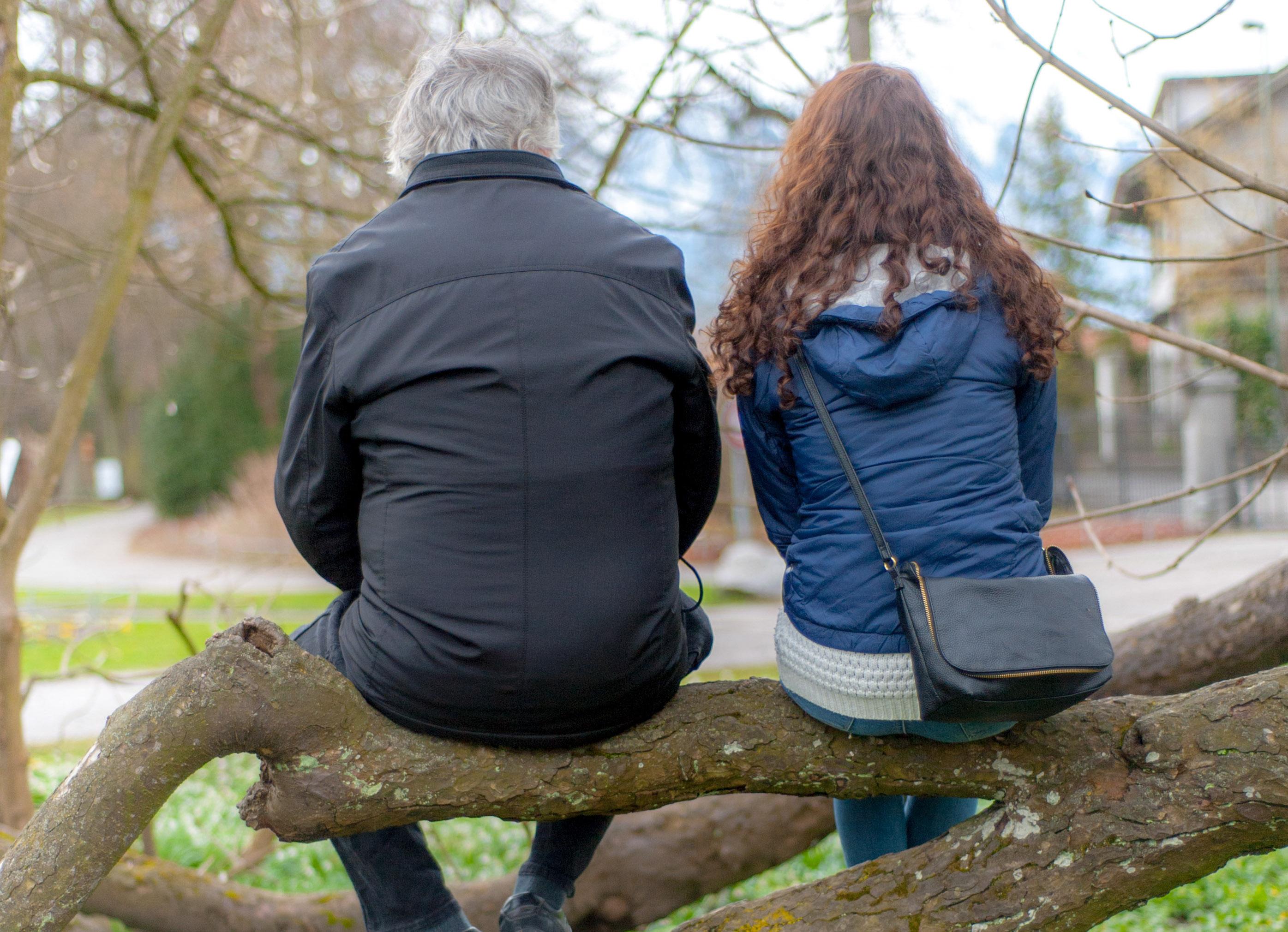 viel voneinander lernen Schülerinnen Seniorinnen Kontakt Grossmutter