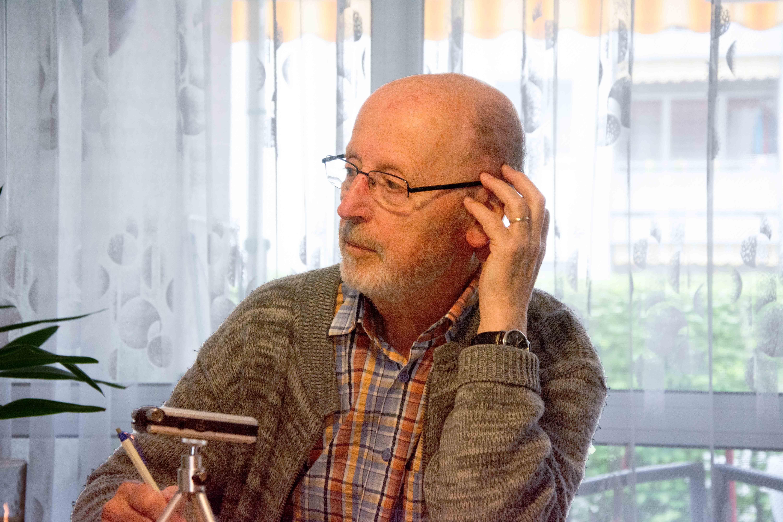 Werner Kaiser im Gespräch mit Annina Reusser. – Bild: Demian Thurian