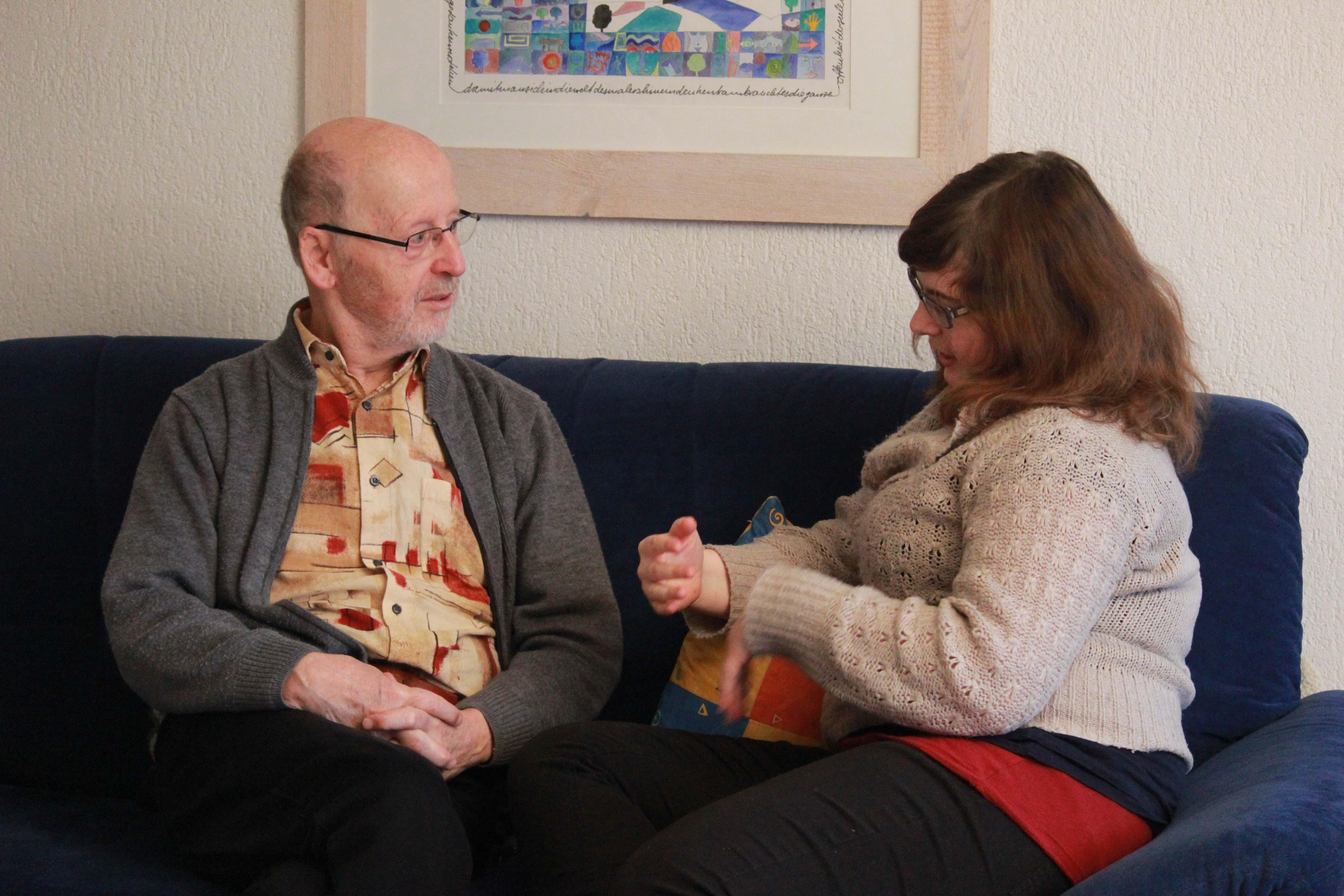 Werner Kaiser und Miriam Lenoir – ein Generationentandem im Gespräch. – Bild: Marielle Schlunegger
