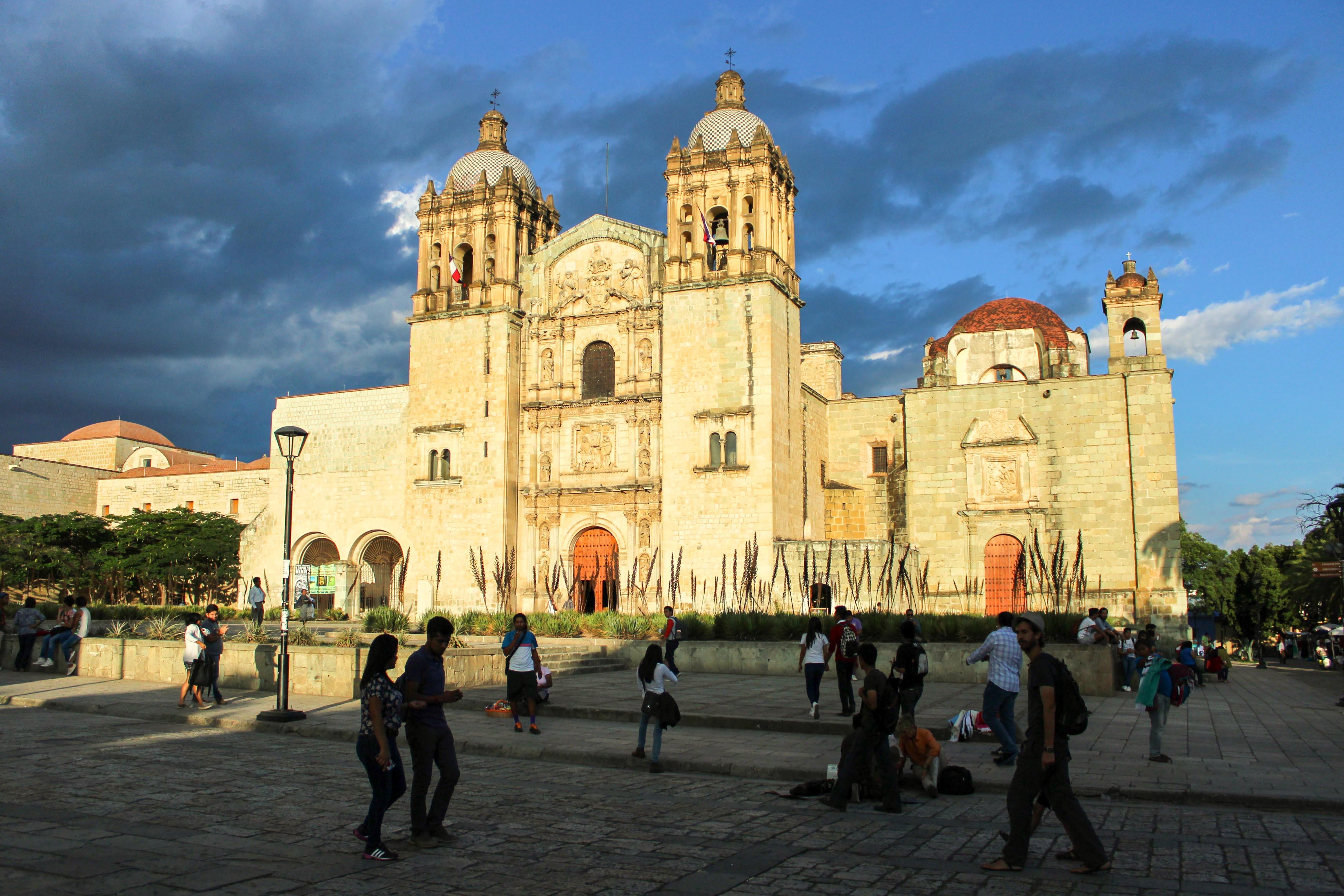 Santo Domingo – die schönste und grösste Kirche in – Bild: Annina Reusser
