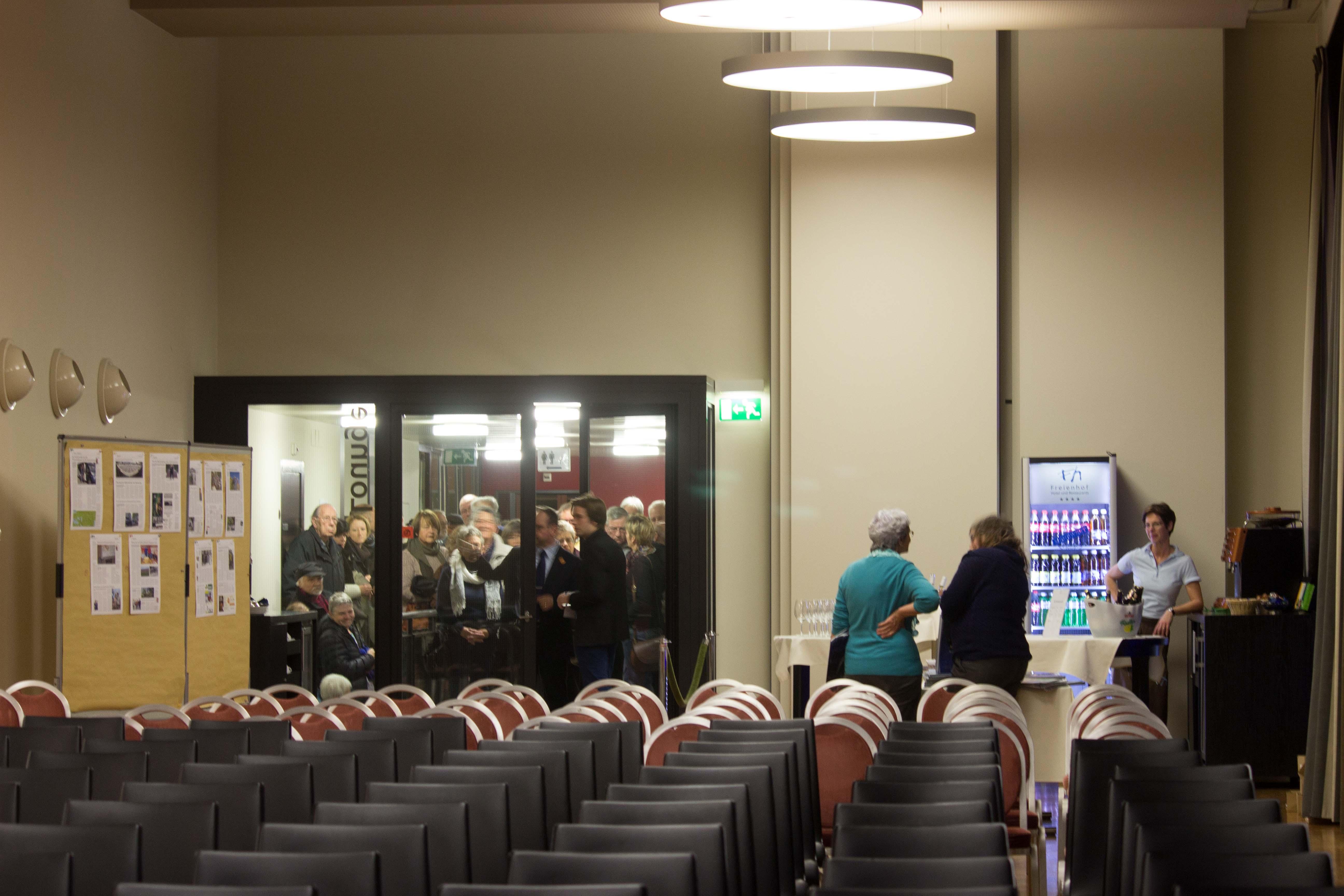 Sekunden vor der Türöffnung – der Saal noch leer. – Bild: Mariëlle Schlunegger