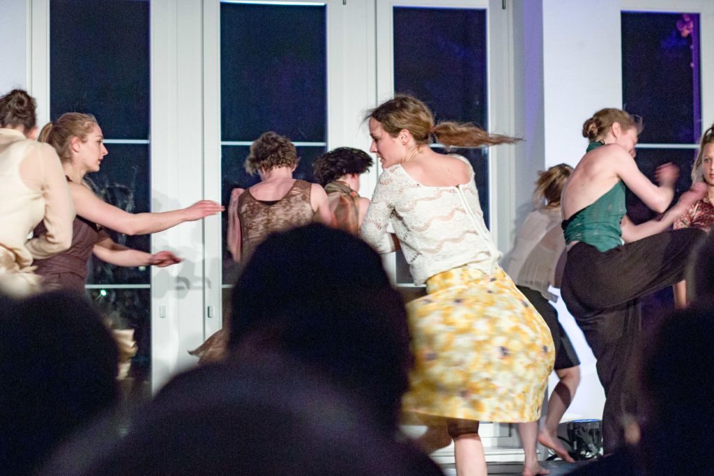 Tanzperformance. – Bild Jana Sofie Liebe
