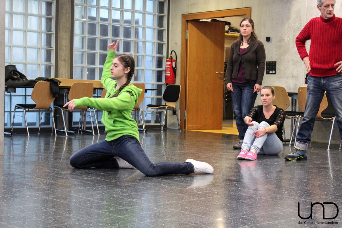 Elena bringt ihr «Ego» mit einem Tanz zum Ausdruck.